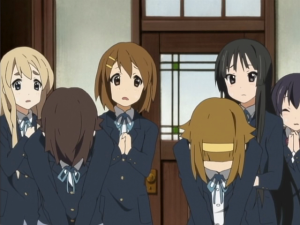 Nodoka and Ritsu apologize on behalf of the Light Music Club